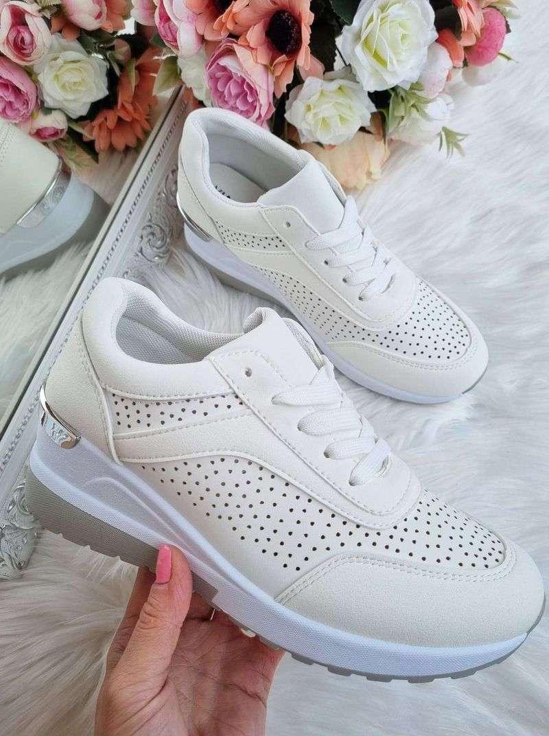 stilīgas sieviešu botas, botas uz platformas, sieviešu botas, apavi internetā, apavi liliapavi,