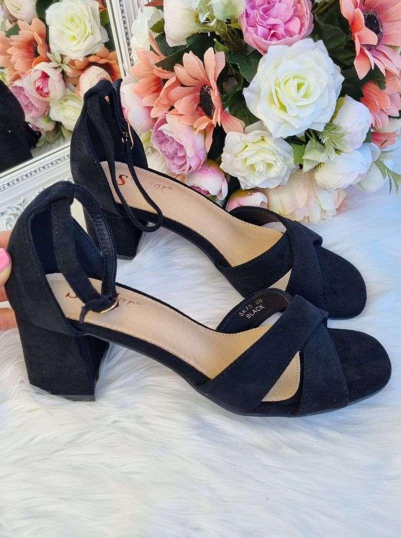 melnas kurpes uz papēža, sandales uz platformas, atvērtas kurpes uz papēža, apavi online, sieviešu apavi, liliapavi,