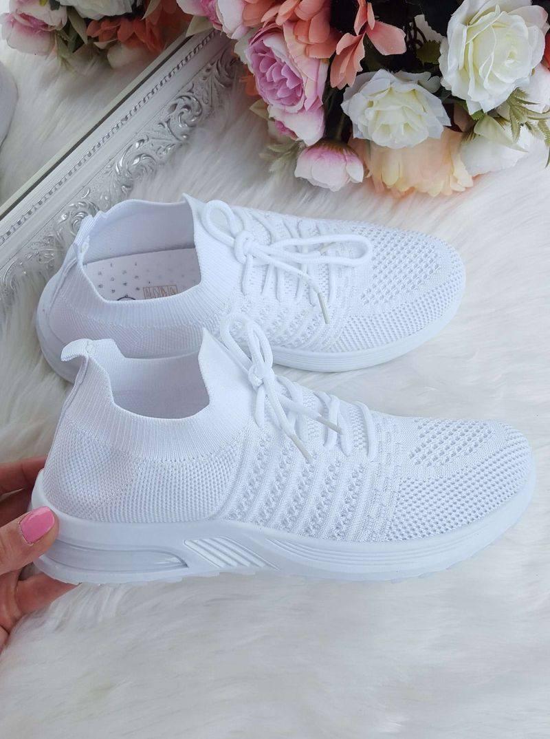 balti brīvā laika apavi sievietēm, apavi brīvajam laikam, sieviešu botas, baltas botes sievietēm, tekstila botas,