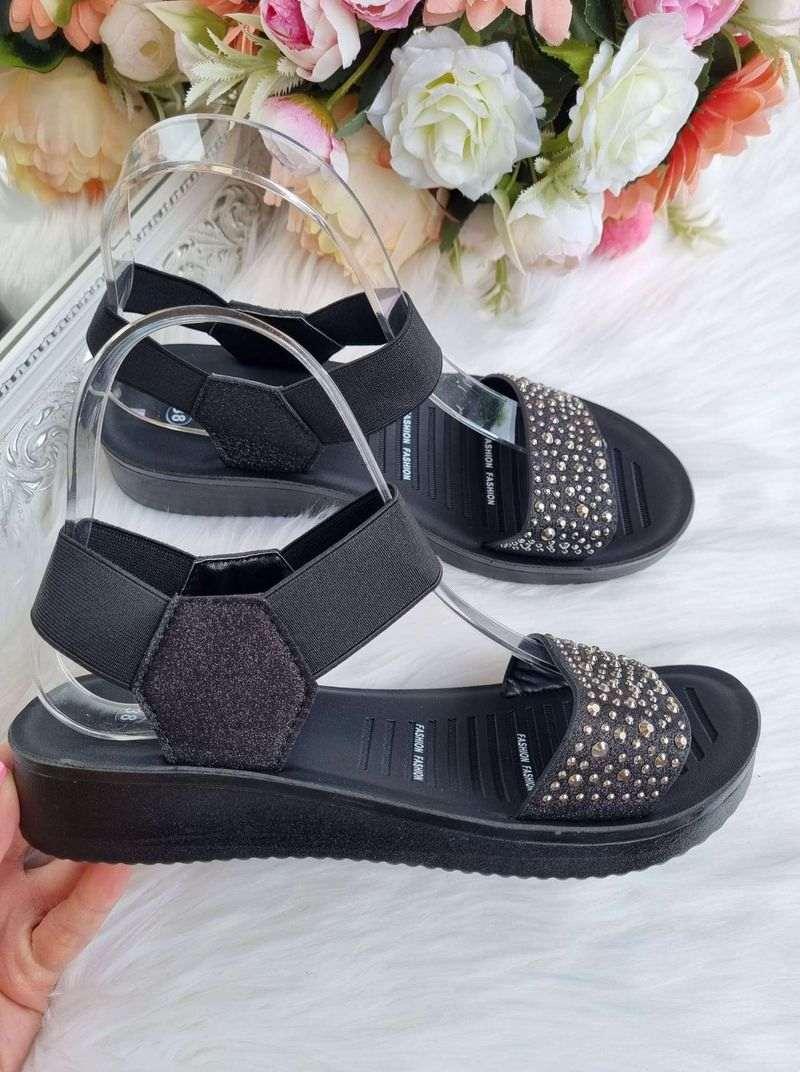 sandales sievietēm, liliapavi internetā, apavi online,