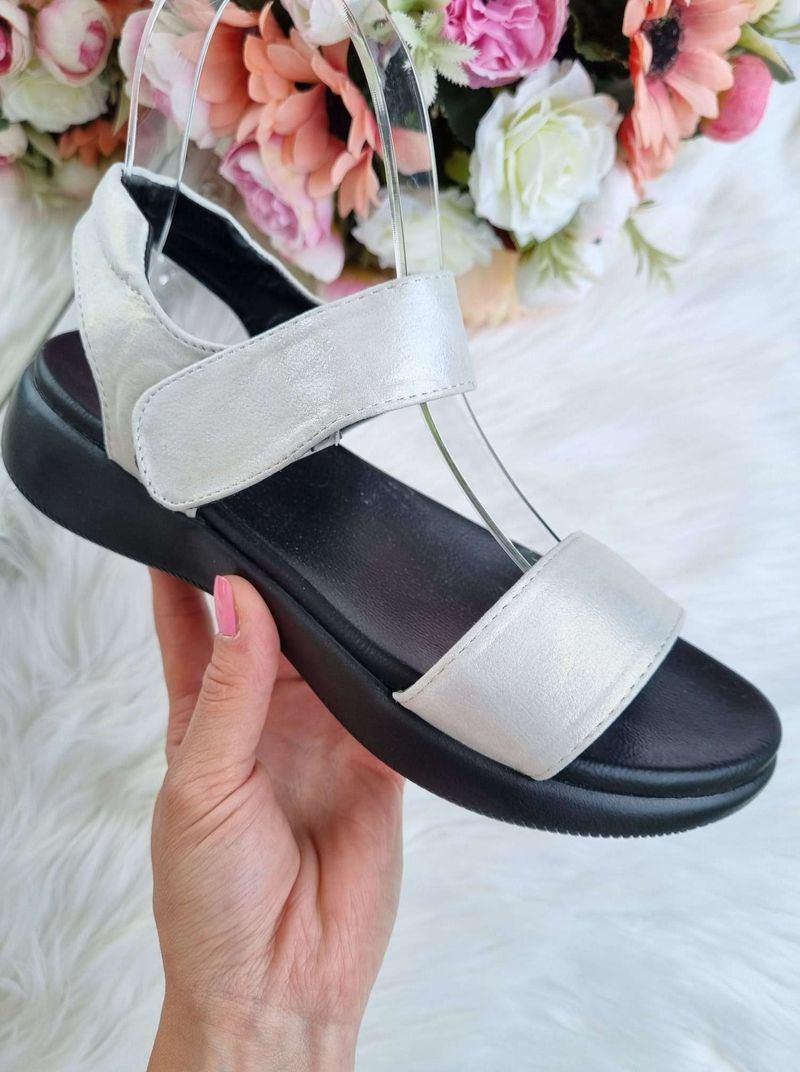 stilīgas sandales, sieviešu apavi vasarai, sieviešu basenes, ērtas sieviešu sandales.
