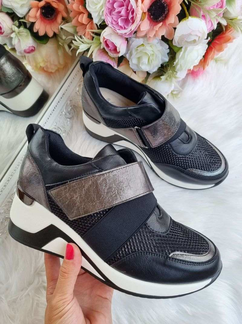 apavi uz platformas, sieviešu botes uz platformas, botes uz paaugstinātas zoles, slēgtie apavi sievietēm, brīvā laika apavi,