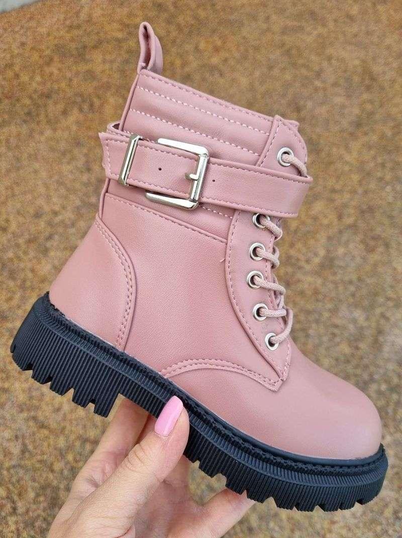 meiteņu ziemas zābaki, stilīgi bērnu apavi, bērnu šņorzābaki, gaišas krāsas zābaki meitenēm, moderni bērnu apavi, apavi bērniem internetā,